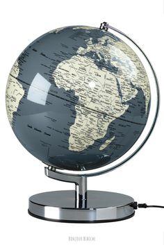 J'adore les globes terrestres <3 Ce globe lumineux est signé @wildandwolf et disponible sur l'eshop déco de Bonjour Bibiche #globe #deco #gris