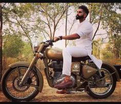 Luv u betu😚😚 Punjabi Boys, Punjabi Couple, Parmish Verma Beard, Kurta Pajama Punjabi, Bullet Bike Royal Enfield, Punjabi Models, Kurta Style, Best Beard Styles, Indian Star