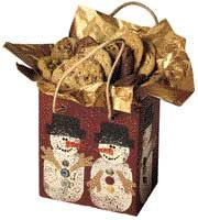 Create an easy Christmas craft this season when you make the Sponge Paint Snowman Gift Bag. You will give Christmas gifts in an extra special way when you package them in this DIY Christmas gift bag. Christmas Gift Bags, Easy Christmas Crafts, All Things Christmas, Holiday Gifts, Christmas Decorations, Decor Crafts, Diy Crafts, Sponge Painting, Craft Free