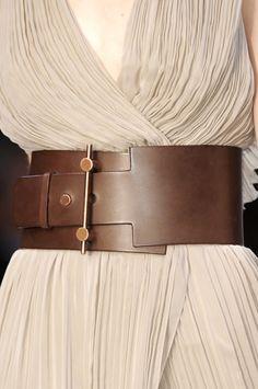 Guy Laroche at Paris Fashion Week Fall 2010 - Livingly Fashion Belts, High Fashion, Womens Fashion, Paris Fashion, Guy Fashion, Fall Fashion, Wide Leather Belt, Leather Belts, Brown Leather