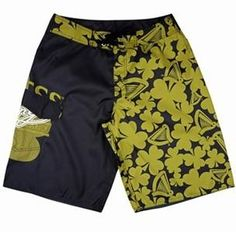 Fabric:100% polyester with DWR finish.   Lining:mesh fabric.   Standard:Azo free,nickel free.   Features:Breathable,highly durable,comfortable and cool dry.   Benifits:Prime quality,competitive prices,on time delivery,best and fastest service.   Application:boarding,surfing,travel,climbing and camping and so on.   MOQ:500 pieces per style per color.   Supply OEM and ODM service.   Lixuan good beach surfing shorts ,your best choices.