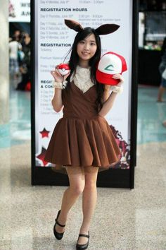 something similar for Kenzie an EEVEE costume brown tutu skirt/ felt skirt; brown tee shirt and then make the ears out of felt on a headband = instant EEVEE Pokemon Halloween, Sexy Pokemon, Pokemon Costumes, Pokemon Cosplay, Halloween Cosplay, Halloween Costumes, Halloween 2019, Casual Cosplay, Easy Cosplay