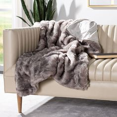 Most Comfortable Sheets, Faux Fur Bedding, Online Bedding Stores, Faux Fur Blanket, Affordable Bedding, Blanket Cover, Bedroom Accessories, Soft Blankets, Cool Beds
