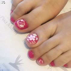 - Who doesn't love properly manicured and well-groomed nails. Ensuring you get as creative with your nails as you are with your clothes is the industry . Blue Toe Nails, Simple Toe Nails, Pretty Toe Nails, Pedicure Nail Art, Toe Nail Art, Manicure, Pedicure Ideas, Hawaiian Flower Nails, Thema Hawaii