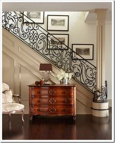 Foyer with wrought iron staircase railing by interior designer Sera Hersham-Loftus. Style At Home, Home Fashion, My Dream Home, Beautiful Homes, Beautiful Stairs, Stunningly Beautiful, Absolutely Gorgeous, Living Spaces, Living Room