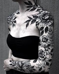 sleeve tattoos Crushing on this floral piece by simonaokif Tattoos Arm Mann, Body Art Tattoos, Girl Arm Tattoos, Pretty Tattoos, Unique Tattoos, Modern Tattoos, Beautiful Tattoos, Tattoo Schwarz, Gothic Tattoo