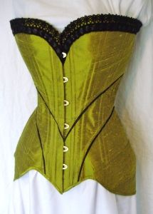 This is a rather different way to make a corset. I think this is the next one I want to make.