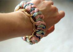 Armbänder aus Wolle selbermachen. - no instructionsl