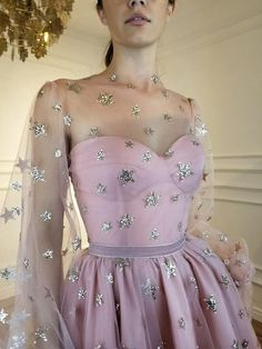 A-Line Off-the-Shoulder Tulle Long Prom Dresses Long Tulle Pleats Evening Dresses Look Fashion, Fashion Outfits, Star Fashion, Fashion News, Fashion Trends, Looks Party, Party Kleidung, Evening Dresses, Formal Dresses