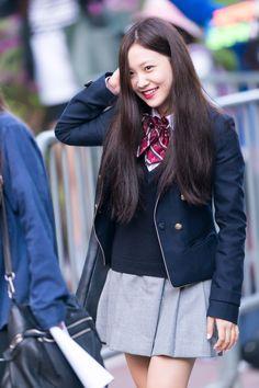 可愛時尚兼具的校服不是只有韓劇裡才有,看完這17個女idol的校服照好想轉學到韓國啦! - PopDaily 波波黛莉的異想世界