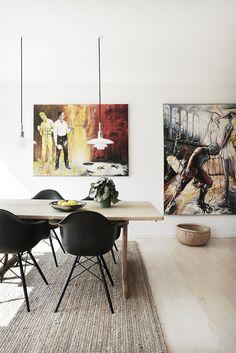 Britta Lynge og hendes mand, billedkunstner Lars Lynge, købte et parcelhus fra 1960'erne. Huset var kedeligt, men grunden fantastisk med udsigt over Horsens Fjord.