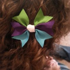 Pinwheel spike hairbow