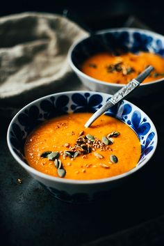 This squash soup with roasted peppers and tomatoes have a warm flavour reminiscent of Hungarian cooking enhanced by the use of smoked paprika. Roasted Pepper Soup, Stuffed Pepper Soup, Roasted Peppers, Stuffed Hot Peppers, Roasted Tomatoes, Roast Pumpkin, Pumpkin Soup, Chilli Soup, Clafoutis Recipes