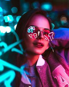 Photography Portrait Fashion Character Inspiration 46 New Ideas Neon Photography, Photography Women, Creative Photography, Amazing Photography, Portrait Photography, Fashion Photography, Photography Lighting, Digital Photography, Photography Tutorials