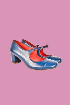 BLUE  http://www.antoineetlili.com/fr/product/femme/chaussures/151701,bleu,trotteur-boucle.html