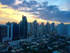 Achter de wolken(krabbers) schijnt de zon - Manilla
