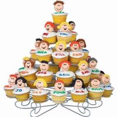 Cupcake Family Tree @Lyzz Buskirk Buskirk Buskirk this looks like its right up your alley! J/k