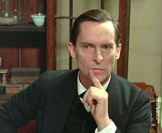Jeremy Brett Makes an modern interpretation of the all time famous Holmes. Brett worked in a theatre in Manchester and then moved on to work in fourty one episodes as a remake of the famous Sherlock Holmes series.