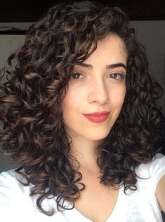 Perfect medium sized curly hairstyles for women to create a .- Perfect medium curly hairstyles for women to get a stylish look . Perfect medium-sized curly hairstyles for women to get a stylish look # Women's hairstyles . Short Hair Styles, Hairstyle, Hair, Hair Styles, Hair Inspiration, Straight Hairstyles, Natural Hair Styles, Womens Hairstyles, Medium Hair Styles