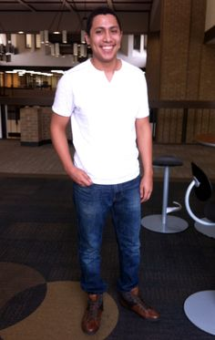 Brandon shows us how he dresses on a typical day at Eastfield Collge. #dcccdstyle