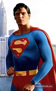 A gallery of Superman publicity stills and other photos. Featuring Christopher Reeve, Margot Kidder, Marlon Brando, Susannah York and others. First Superman, Supergirl Superman, Superman Movies, Superman Family, Dc Movies, Batman Vs Superman, Superhero Movies, Movies Online, Christopher Reeve Superman