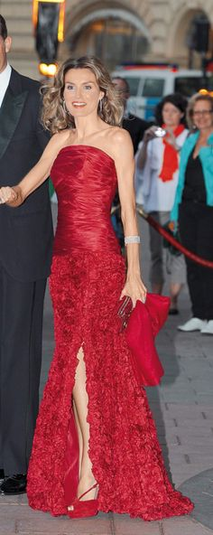 *STYLE , Queen Letizia Spain, Rojo