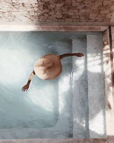 nachher Kenia mit Emelinaa Henriquez Tilleriaa - Spell & th .- nachher Kenia mit Emelinaa Henriquez Tilleriaa – Spell & th … The Beach People, Plunge Pool, Summer Aesthetic, Summer Of Love, Summer Beach, Summer Pool, Casual Summer, Summer Vibes, Mykonos