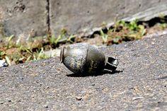 #Atentado con granada dejó 36 heridos en San Pedro, #Valle del #Cauca Este domingo, un artefacto explotó dentro de una discoteca del corregimiento de Presidente, en el centro del departamento. Hasta ahora, dos de los afectados se encuentran en estado crítico.