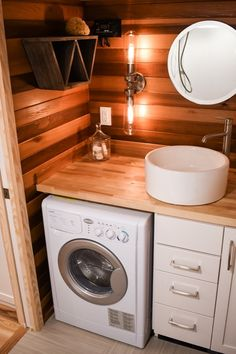 This is the Payette Urban 28′ Tiny House on Wheels. It was designed and built by Tru Form Tiny for a client. Please enjoy, learn more, and re-share below. Thanks! 28′ Off-Grid Payette U…