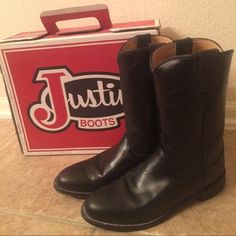 Justin Roper Boots Original pair of black Justin Ropers they were used once and that's it ! They come with the box  they are practically new Justin Shoes