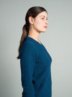 WOLFEN GERMANY. Rose - seed stitch sweater