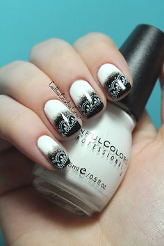 Black and White stamped nail art manicure #nails