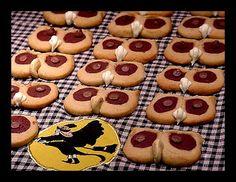~ Sugar Teachers ~ Cake Decorating and Sugar Art Tutorials: Hoot Owl Cookies....Hoot! Hoot!