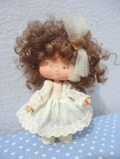 boneca moranguinho noivinha da estrela 70,00