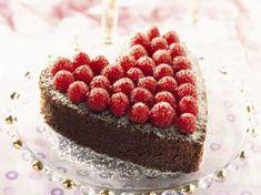 Dessert Saint Valentin, Cake Recipes, Dessert Recipes, Cake Cafe, Chocolate Raspberry Cake, Chocolate Cake, Valentines Day Cakes, Cake Factory, Sweet Tooth