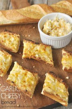 Garlic Cheesy Bread & Giveaway - your homebased mom