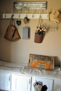 LaurieAnna's Vintage Home: Featured Farmhouse October, Farmhouse Friday #9