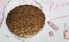 Made in England. Rose Design, Floral Design, Stratton Compact, Compact Mirror, Shape Design, White Enamel, Powder, Roses, England