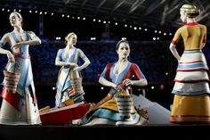 Crocus collectors (opening ceremony of the Olympic Games, Athens Ages Of History, Greek History, 2004 Olympics, Summer Olympics, Minoan, Mycenaean, Dance Decorations, Olympics Opening Ceremony, Greek Statues