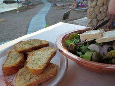 Kuvahaun tulos haulle kreikkalainen ruoka Banana Bread, Desserts, Food, Food Food, Tailgate Desserts, Deserts, Essen, Postres, Meals