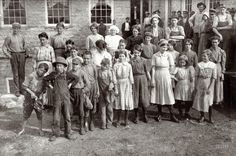 """December """"The whole force of workers in the cotton mills of Stevenson, Ala. Several of them are apparently under twelve, but could not get the ages. Photo posed by the general manager."""" Photo by Lewis Wickes Hine. Art Nouveau, Belle Epoque, Vintage Photographs, Vintage Images, Shorpy Historical Photos, Lewis Hine, Between Two Worlds, History Photos, High Resolution Photos"""