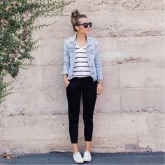 I like the look Black striped shirt, denim jacket, black pants or jeans, sneakers. Or try navy blue striped shirt, denim jacket, green skinny pants, sneakers.