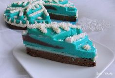 """Cheesecake """"flocon"""" avec insert grenade-framboise.   { sans sucre ajouté, faible en MG, sans gluten, sans lactose }"""