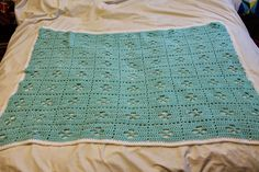 My life out of a lab coat: Easy Crochet Baby Blanket with Pattern