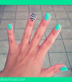chevron accent nail #nailart #nails #fingernails
