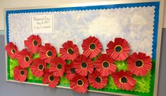 Bulletin board Poppies to remember the veterans Daycare Bulletin Boards, Summer Bulletin Boards, Library Bulletin Boards, Bulletin Board Display, Display Boards, Memorial Day Activities, Remembrance Day Activities, Remembrance Day Art, Memorial Day Quotes