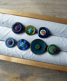fleurfatale: my creative workspace tutorial jewelry display. Maybe something like this for thin bangles?