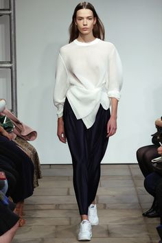 1205 Spring 2016 Ready-to-Wear Fashion Show 1205 Spring 2016 Ready-to-Wear Collection Photos - Vogue Fashion Details, Look Fashion, High Fashion, Fashion Show, Fashion Design, Fashion Week, Runway Fashion, Womens Fashion, Fashion Trends