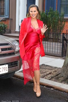 Look ravishing in red like #ChrissyTeigen in #Haney #celebstyle #modeloffduty #maternitystyle #DailyMail