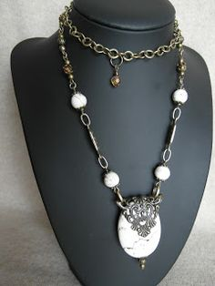 wydziergane nocą: Howlit biały.... Filigree Jewelry, Pearl Necklace, Pearls, String Of Pearls, Beads, Pearl Necklaces, Gemstones, Pearl